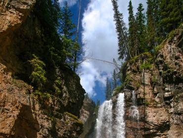 johnston canyon canada banff