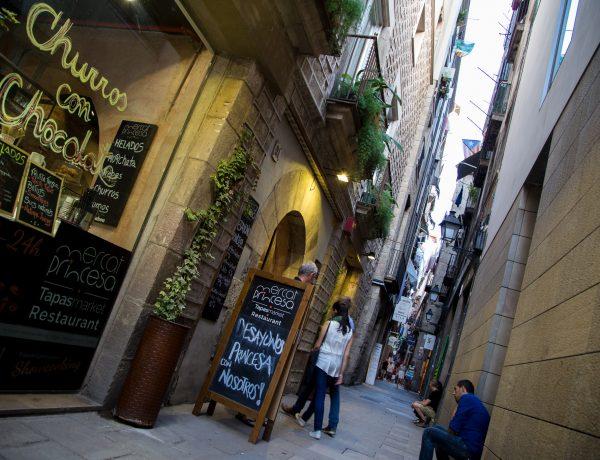 Hotspot in Barcelona: Tapas eten in Mercat Princesa